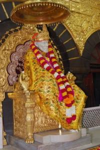 Shirdi Samadhi Mandir idol